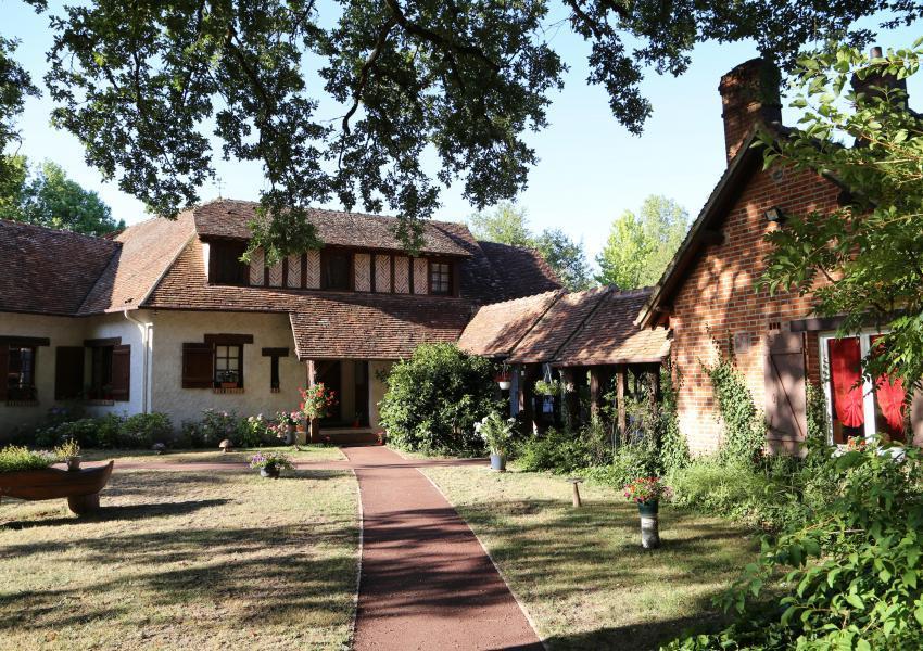 Enclos cynégétique avec maisons de charme en Sologne