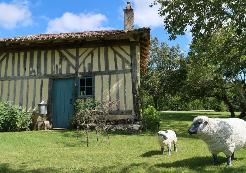 Forest and recreation estate in Dordogne