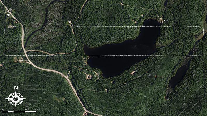Massif forestier au nord d'Ottawa à 2h de l'aéroport de Montréal