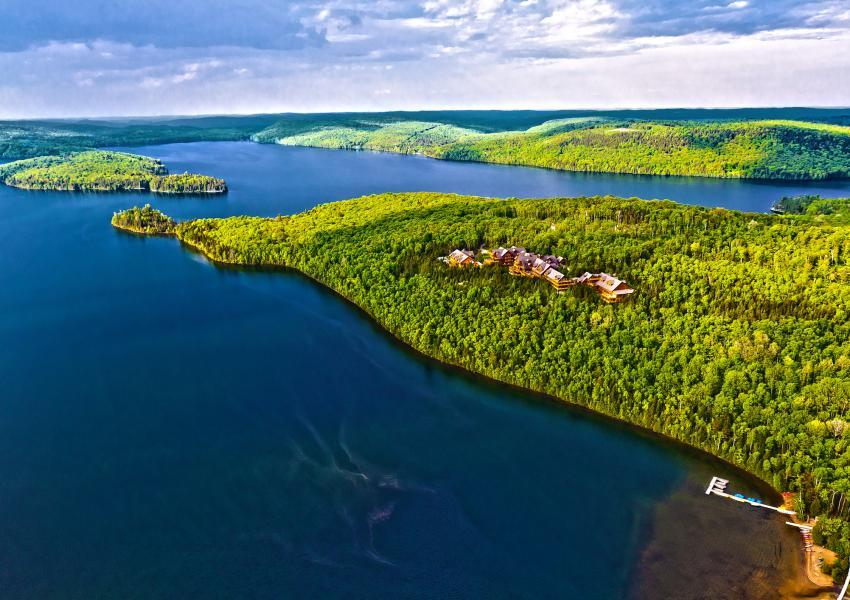 Forest estate in Canada, in the Outaouais region of the High Laurentians; an exceptional estate with more than 11,000 hectares.